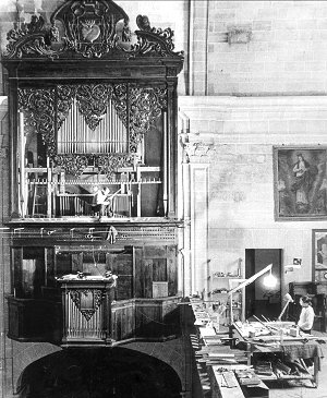 1970: The restoration of the Caimari organ in Sant Augustí, Palma de Mallorca. 